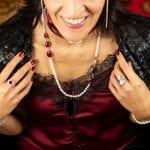 Servizio fotografico Perle - gioielli artigianali - Aurora Gioielli - Lucca - Eleganza aurora woman - progetto aurora woman - manifestazione a premi aurora gioielli lucca